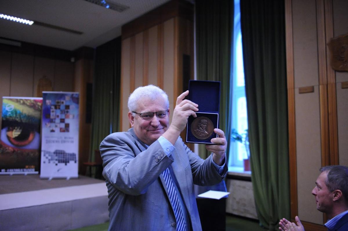 Az OSZK alapításának évfordulója alkalmából 2018. november 26-án rendezett belső ünnepségen Heltai János átvette a Széchényi Ferenc-emlékérmet.