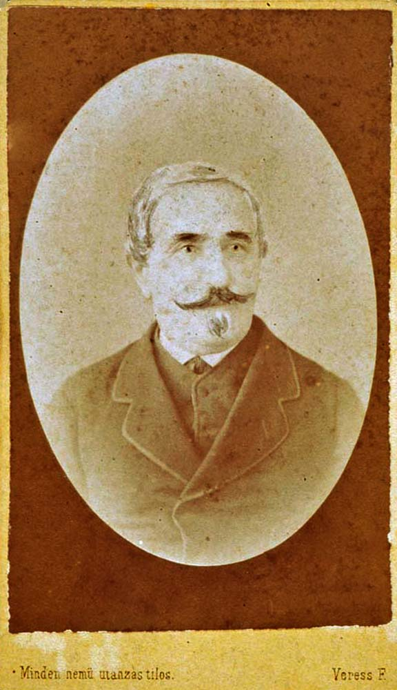 Ismeretlen férfi mellképe (Kolozsvár, 1852–1890) – Történeti Fénykép-és videótár. Jelzet: FTA 470