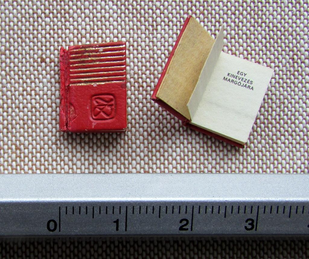 Fotógaléria különleges minikönyvekről