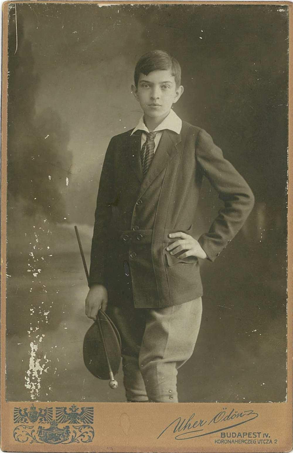 Oláh Gusztáv. Portré, 1914. Jelzet: KB 14.362 – Színháztörténeti és Zeneműtár