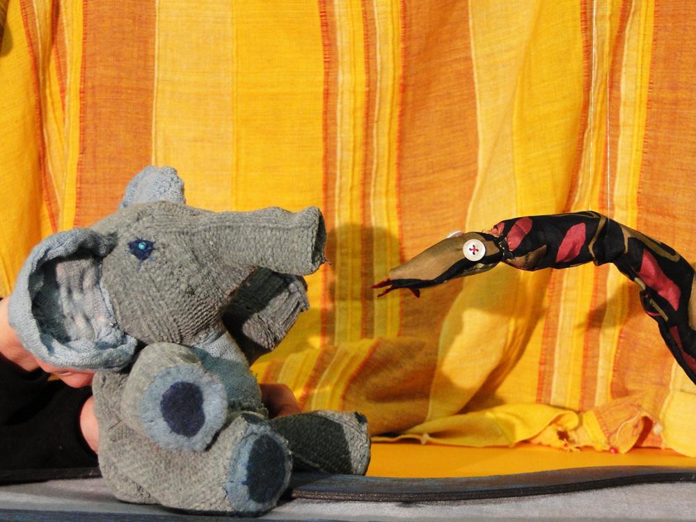 Stúdió K Színház: A kis elefánt című darab. Részlet. A Stúdió K színház engedélyével.