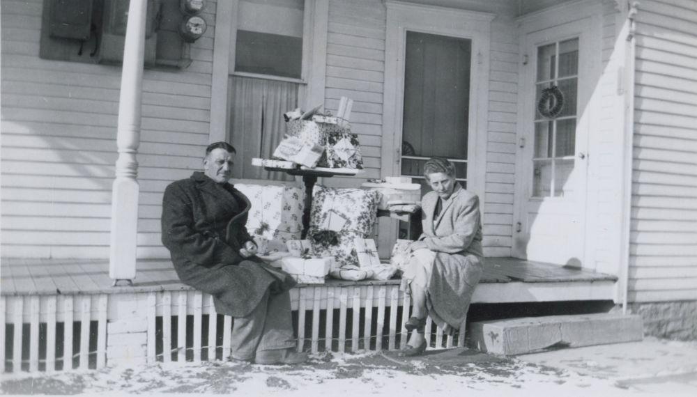 Szász Marianne és családja amerikai életét dokumentáló fényképek a családi fotóalbumból