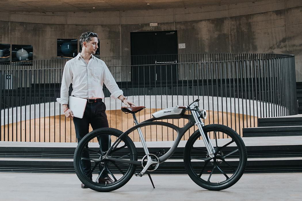 a városi élet kiegészítői: bicikli és zene