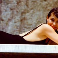 Heti Bond-lány: Akiko Wakabayashi [18+]