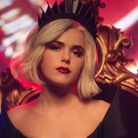 """Pokolian jó, zenés trailert kapott a """"sátánista Sabrina"""" 3. évada!"""