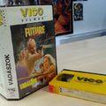 Csukafejes a VHS-kazetták aranykorába: itt a 10 legjobb VICO-film!