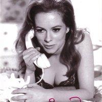 Heti Bond-lány: Luciana Paluzzi [18+]