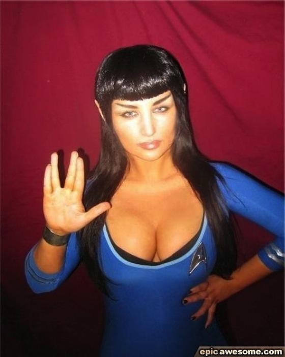 Star-Trek-Sexy-Girls-01.jpg