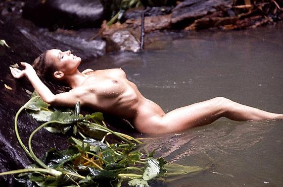 Ursula-Andress-Nude-4.jpg
