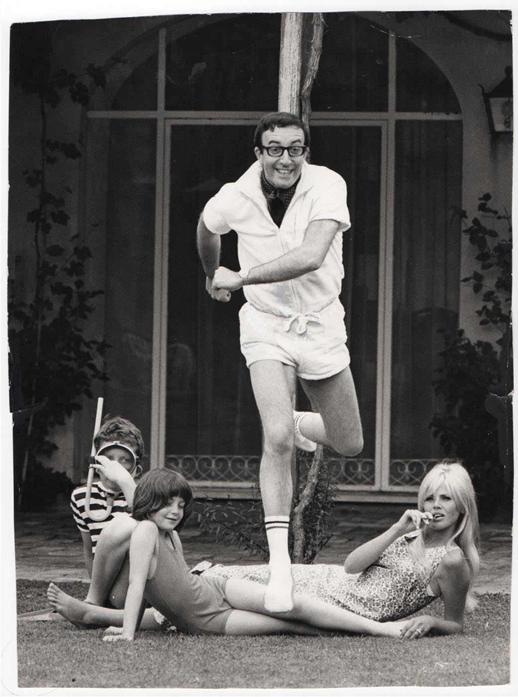 peter-sellers-with-britt-ekland-and-family.jpg