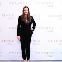 Liv Tyler esszenciális nőiessége fehérneműkben