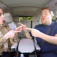 Ez az év karácsonyi videója! Elton John, Gwen Stefani, Lady Gaga... ááá
