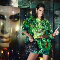 JLO és Kendall Jenner digitálisan a Versace kampányban