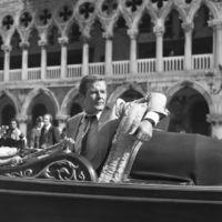 Gyönyörű, ismeretlen fekete-fehér képek Velencéből sztárokkal