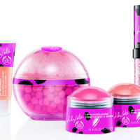 Nyerj a Neszétől The Body Shop Lily Cole sminkkollekció csomagot!
