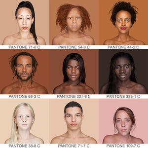 Pantone skálát tett össze az emberek bőrszínéből a világjáró fotós