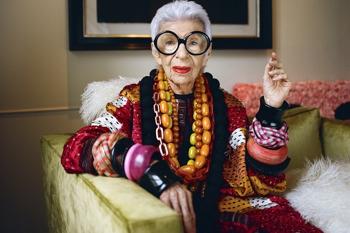 Semmi sem késő! Iris Apfel 97 évesen szerződést kapott!
