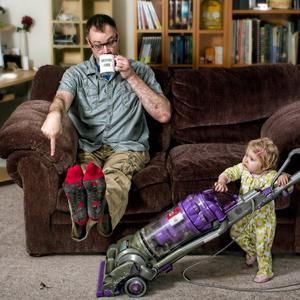 Mi történik akkor, ha a gyerek apával marad otthon?