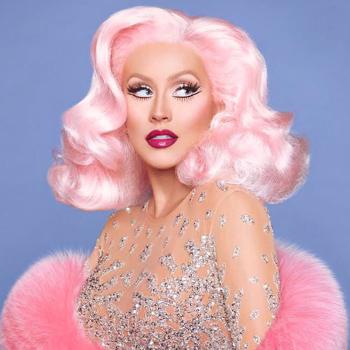 Christina Aguilera 20 év után lemosta a sminket