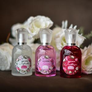 Olasz rózsák illata bioparfümben: fújd magadra a rózsakertet!