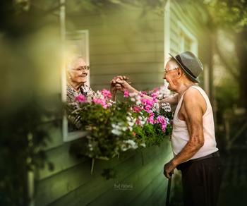Idős párok gyönyörű képeken