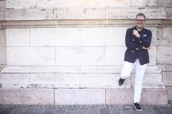 Schiffer Miklós limitált Tipton szemüvegekkel jön