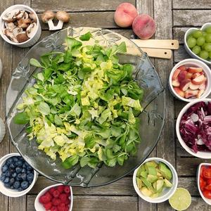 Tavaszi feltöltődés: milyen zöldségeket és gyümölcsöket fogyasszunk?