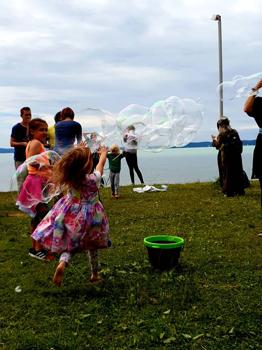 Evernessia: a szabad lelkek országa Balatonon