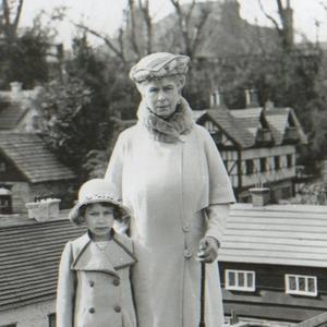 Boldog 90. születésnapot, Erzsébet!