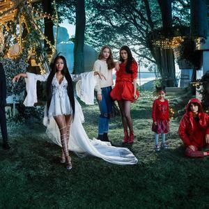 H&M karácsonyi kampány Nicki Minajjal Tim Walker kameráján át