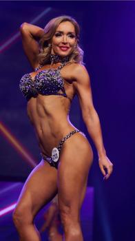 Bella Trost többszörös bikini modell világbajnok újabb versenye