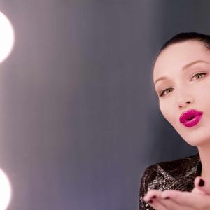 Bella Hadid Dior Addict Lacquer Plump kampánya