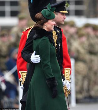 Kate Middleton kismamaként is Diánára utal