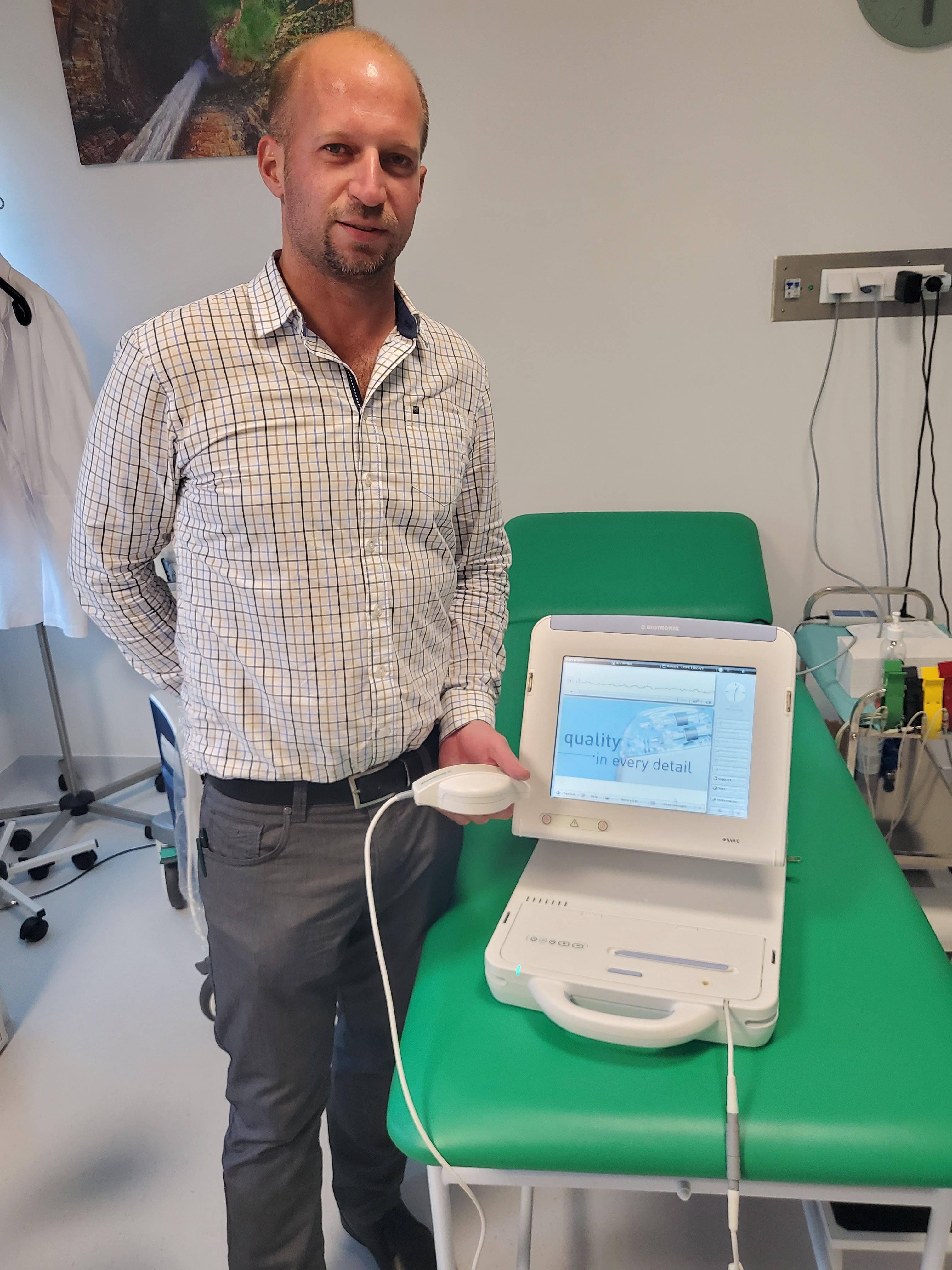 Som doktor a pacemakerek tudora, olyan kardiológus, aki óriási szaktudással rendelkezik
