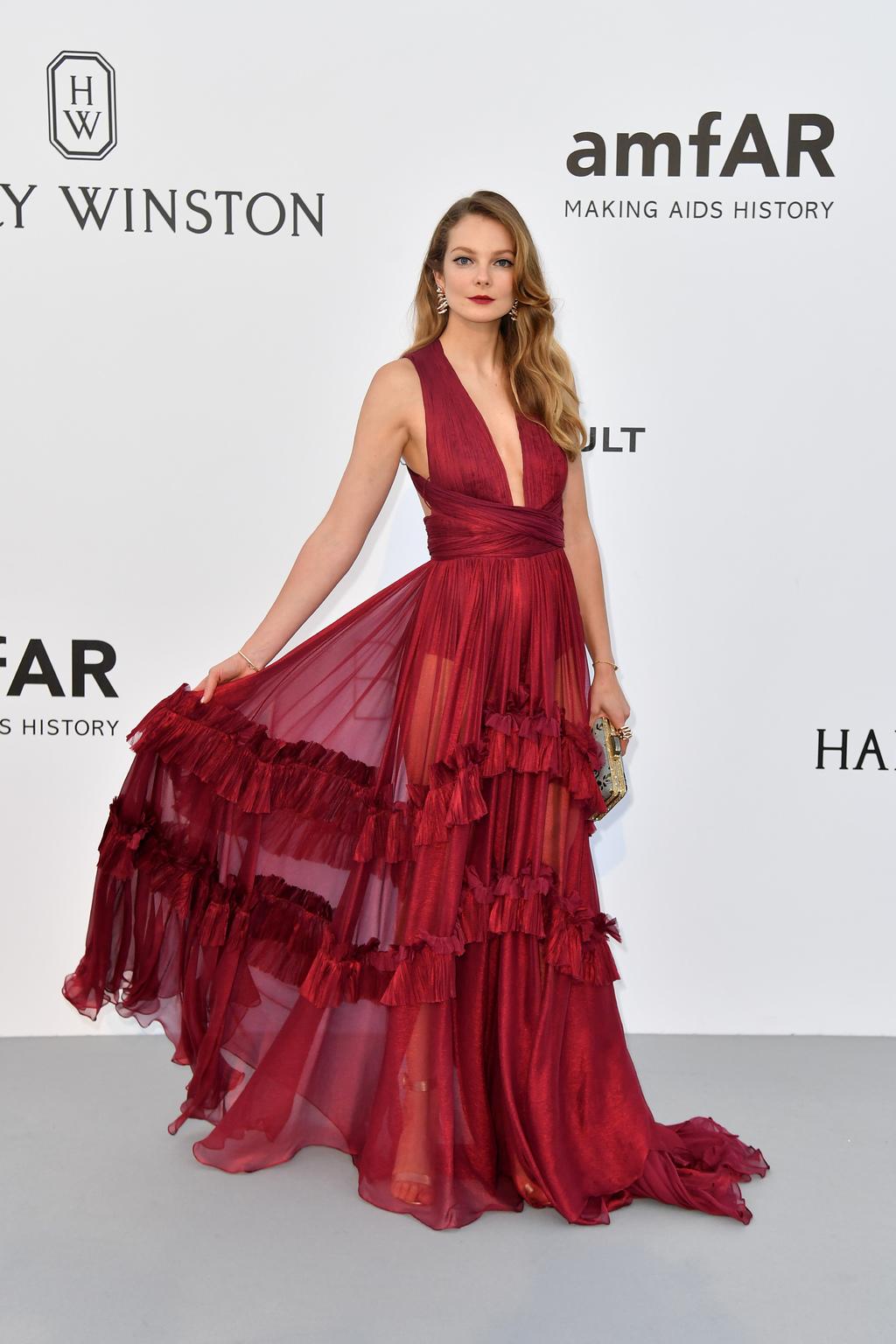 d4b61147b2 Az itt a Cannes-ban szokásos amfAR gála sok-sok képe, azokkal a gyönyörű ruhákkal  és cipőkkel, melyeket kb az Oscaron szoktunk látni.