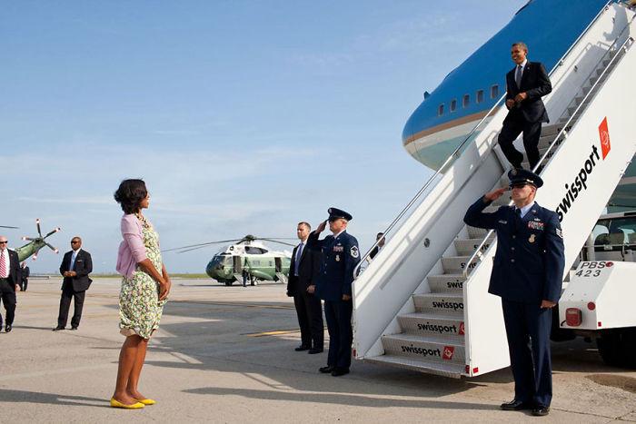 Amikor a first lady várja a férjét