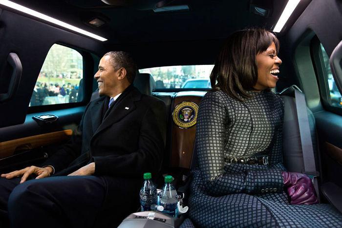barack-michelle-obama-27th-anniversary-photos-5d96e7685467b_700.jpg