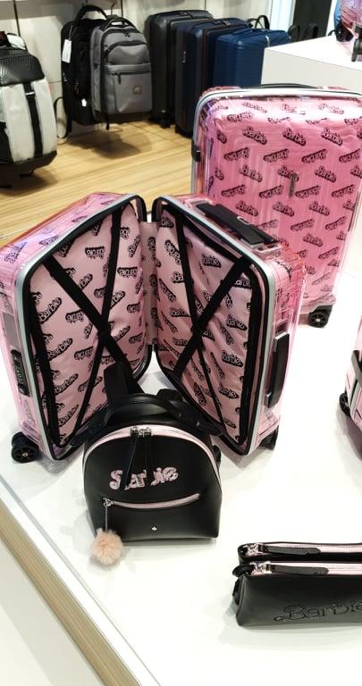 Barbie már a reptéren is! Megjelentek a Barbie bőröndök