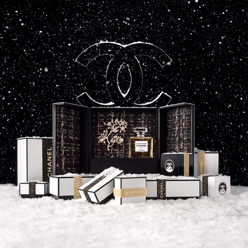 chanel-no-5-holiday-2019-campaign03_2.jpg
