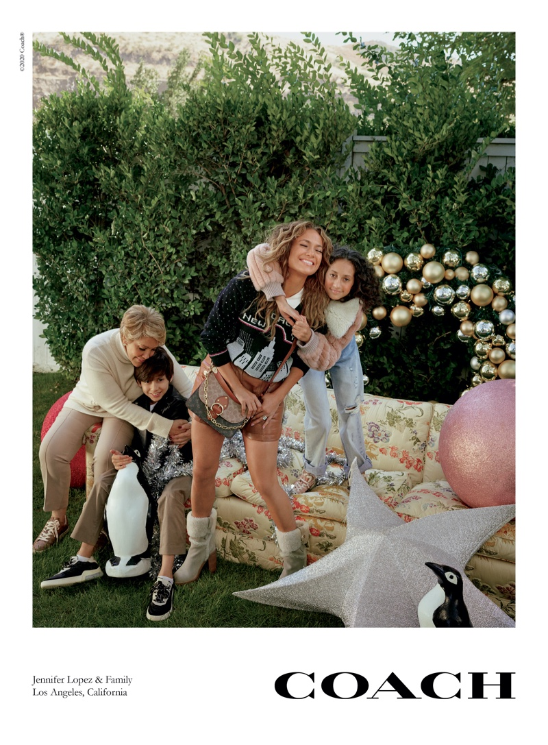 coach-holiday-2020-campaign02.jpg