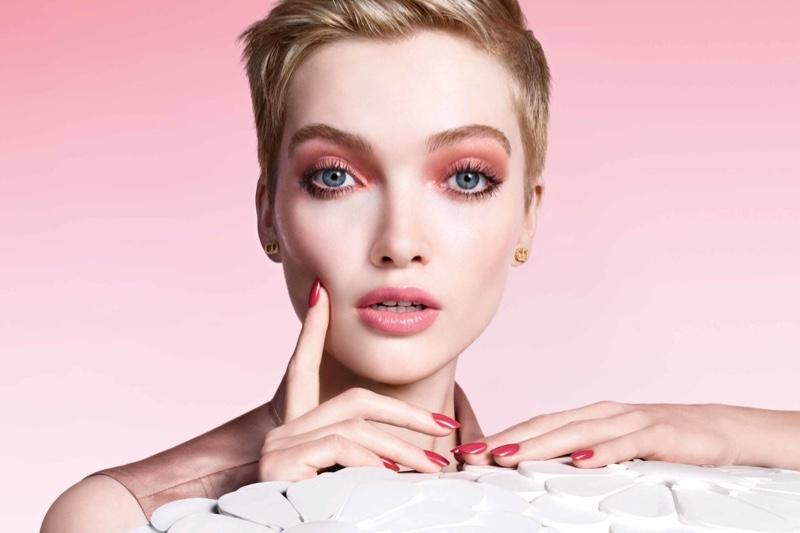 dior-pure-glow-spring-2021-makeup-campaign01.jpg