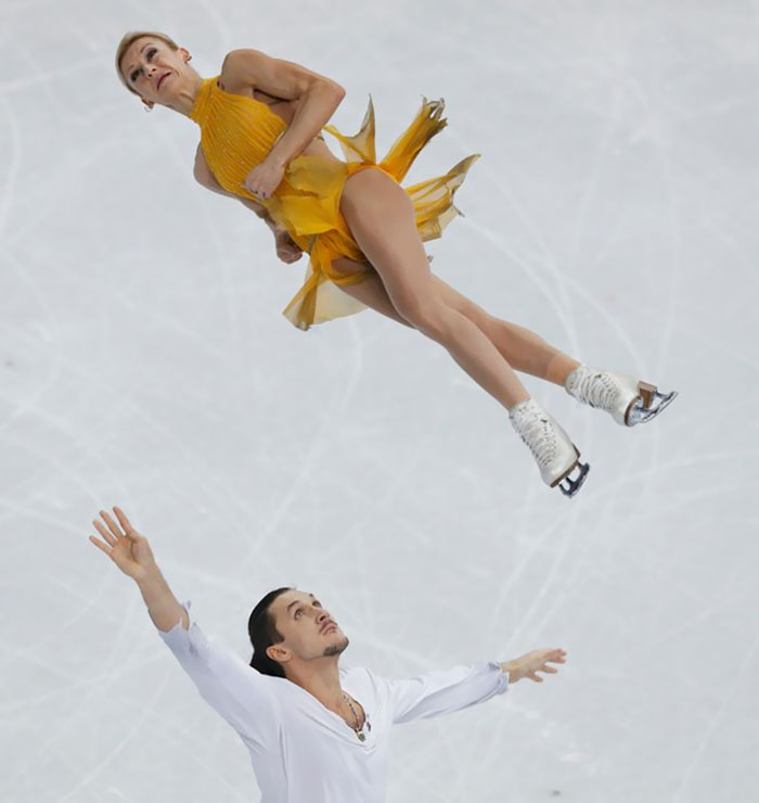 funny-olympic-figure-skating-faces-16-5a81526473ba0_700.jpg