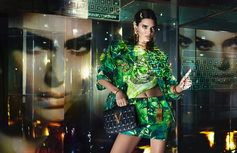 kendall-jenner-versace-spring-2020-campaign01.jpg