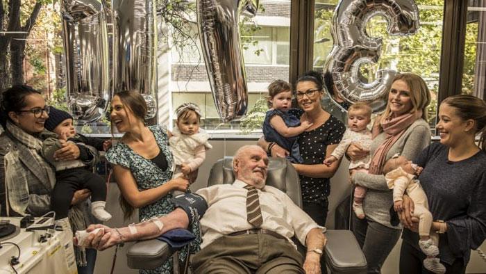 man-with-the-golden-arm-last-blood-plasma-donation-saved-millions-babies-james-harrison-australia-28-5afac3349121f_700.jpg
