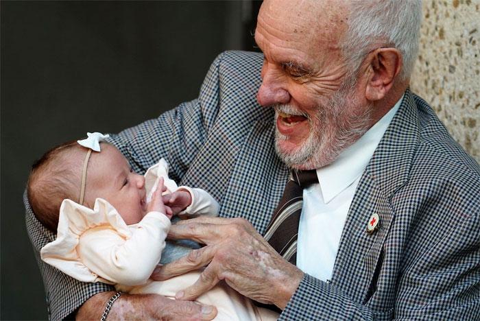 man-with-the-golden-arm-last-blood-plasma-donation-saved-millions-babies-james-harrison-australia-32-5afac33daa776_700.jpg
