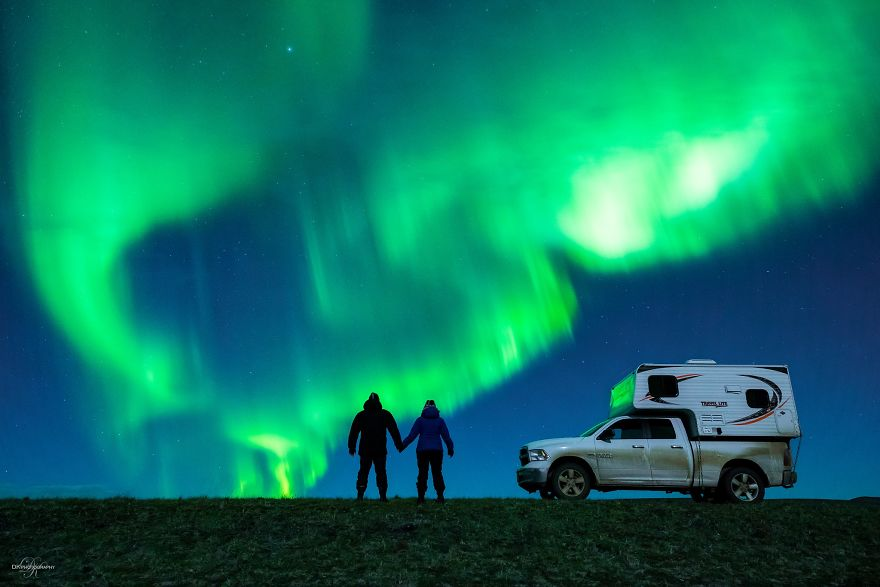 northern-lights-couple-proposal-dale-sharpe-5-58c1630385ffb_880.jpg