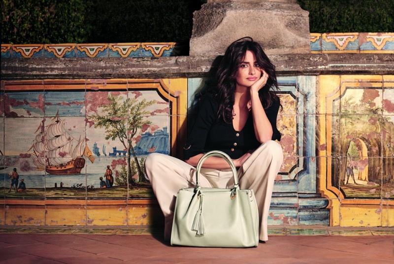penelope-cruz-carpisa-bag-campaign01.jpg
