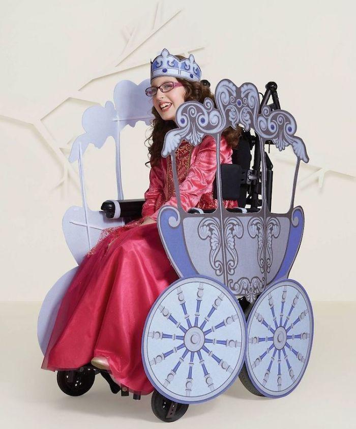 target-inclusive-halloween-costumes-2-5da7c168bc071-jpeg_700.jpg