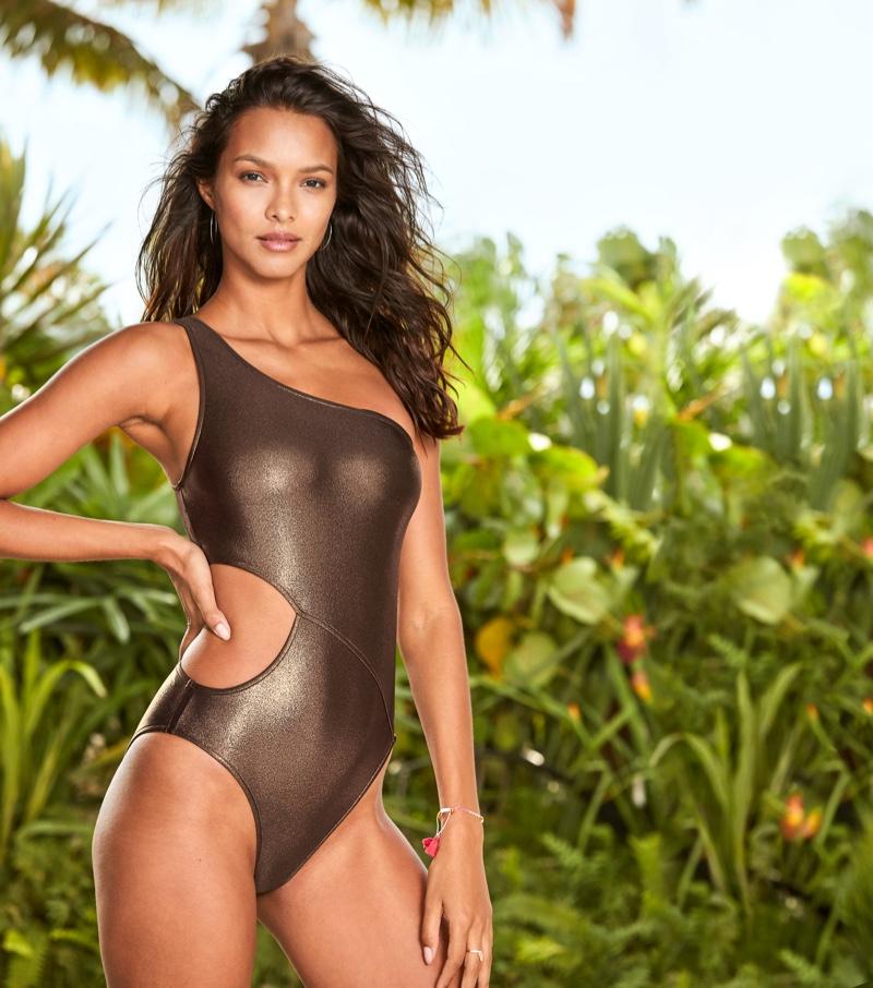victorias-secret-swim-summer-2019-campaign01.jpg