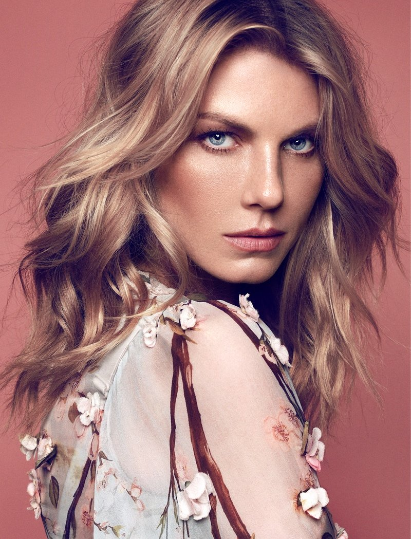 facebo angela lindvall born - HD 800×1049